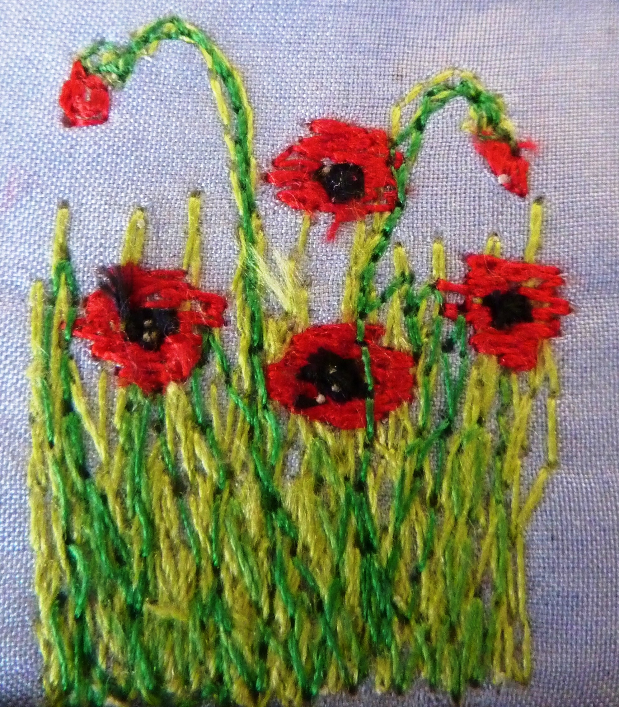 Free Machine Embroidered Poppies www.kateskloths.co.uk